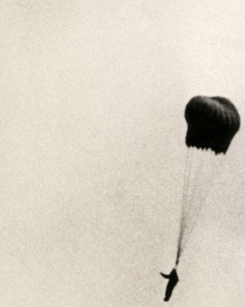 Parachute 9-05-40