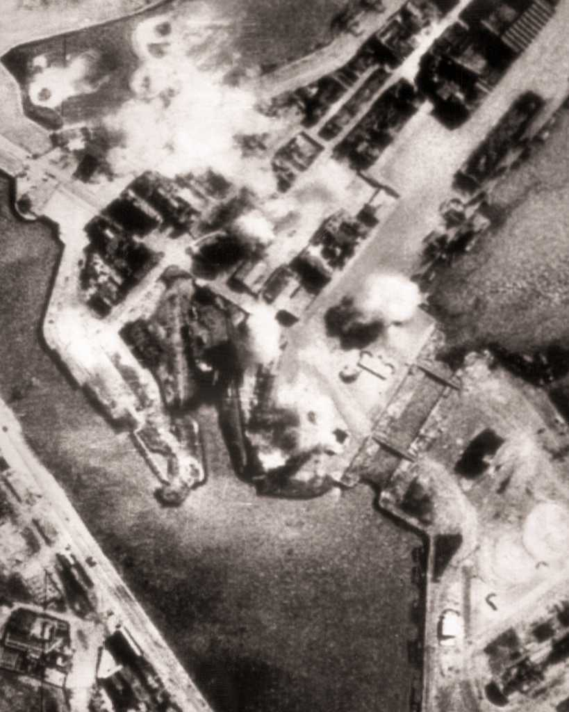 Dunkirk-Bombing-20.jpg